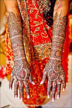 Bridal Henna #henna #hena #mehendi #mehndi #indian #turkish #arabic #draw #drawing #hands # foot #feet #body #art #arte #artist #tattoo #bridal #wedding #love #beautiful #pic #picutre #photo #photography #foto #fotografia #detail #doodle #bw #black #white #bronze #red #color