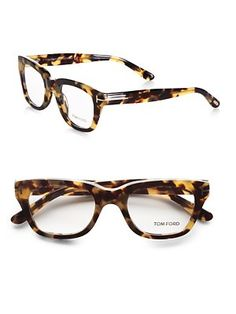 An essential for contemporary style, these Tom Ford frames are set in acetate with clear, easily replaced lenses.