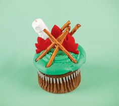 camp theme cupcakes