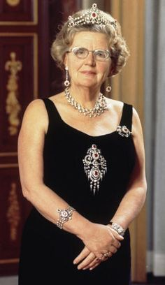 Ruby Parure Queen Juliana with the complete ruby Parure