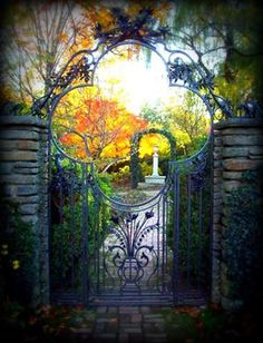 Garden Gate, Dumbarton Oaks, Washington DC  photo via ontheborder