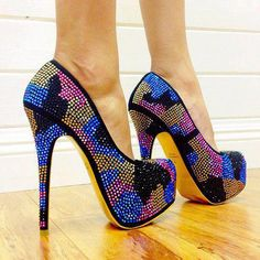 TOWERING SHOES AND HIGH HEELS