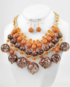 Gold Tone / Brown Acrylic / Lead Compliant / Leopard Print Ball Charm / Necklace & Fish Hook Earring Set bead necklac, de leopardo, leopard prints