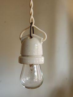 ftg - vintage porcelain socket light