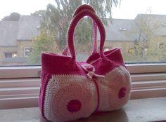 breast cancer awareness crochet purse pattern