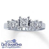 Clearance! 14K White Gold 1 1/6 Carat t.w. Leo Diamond Ring