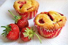 Lemony strawberry muffins - is it summer yet?