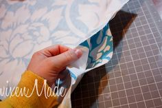 Simple placemat tutorial -- use a large tablecloth to make 8 (or more) placemats
