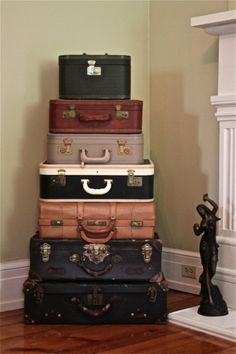vintage suitcases...love!