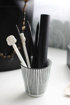 Striped pencil holder