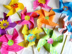 Pinwheels by Angel Street Mom.  She includes how to make them with and without pins AND includes templates.  Awesome!  Definitely going to do this with the students!