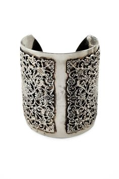 Placement Lace Cuff