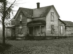 Old home outside Forest Grove, Oregon