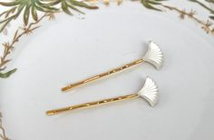 Vintage Art Deco Scalloped Fan Hairpins.