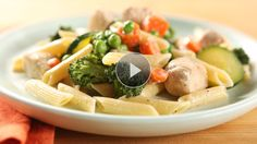See how to make this delightful creamy #chicken and #pasta dish at home.