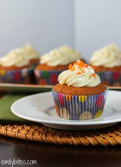 Emily Bites - Weight Watchers Friendly Recipes: Carrot Cake Cupcakes