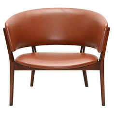 Nana Ditzel Chair designed in 1952 and produced by Knud Willadsen, Made of beech and leather.