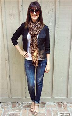leopard fall scarf with black blazer, fall fashion #leopard #fall #fashion #trends