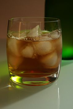Home remedy for a cold using whiskey Home Remedies, Cold Remedies, Cups, Sore Throat, Old Home, Alcohol, Drinks, Irish Whiskey, Hot Toddy