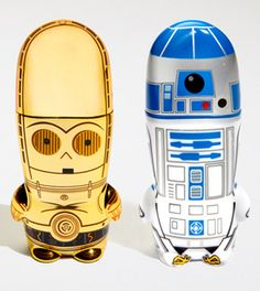 C-3PO and R2D2 USB drives. . . so cute