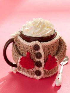 ButtonArtMuseum.com - Hug Me Mug Cozy | Yarn | Free Knitting Patterns | Crochet Patterns | Yarnspirations