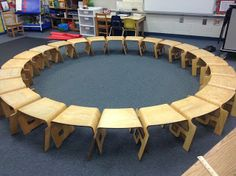 Kinderlinks are great for a kindergarten classroom. I can stand and see everyone's work at a glance and no rocking chairs to deal with. :) http://drclementskindergarten.blogspot.com/2013/07/kindergarten-classroom-preview.html