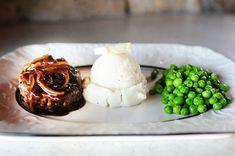 Pioneer Woman's Salisbury Steak, Mashed Potatoes, and Peas