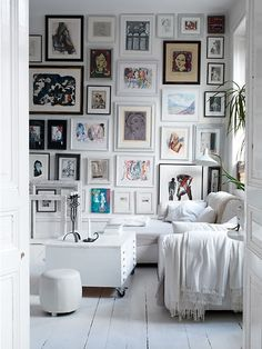 love this wall full of pictures!