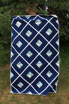 Blue and white lattice quilt