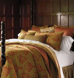 Our richly hued Madeira Bedding Collection contrasts deep avocado green with paprika and russet in beautiful botanical forms.