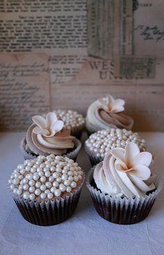 Beautiful wedding cupcakes.