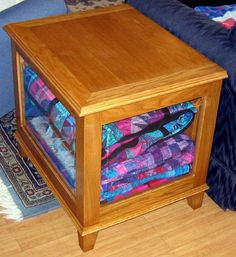 Lazy Gal Quilting: Quilt Display Box ...U need this @KaylaCollier