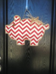 "Arkansas Razorback ""Piggy"" Chevron Door Hanger on Etsy, $29.00"