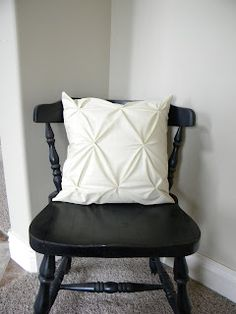 Thrifty and Chic - DIY Projects and Home Decor.  How to make this cute little throw pillow :)