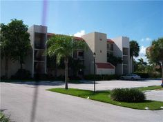 Fantastic Highly Sought After Condo With One Bed And Six Baths