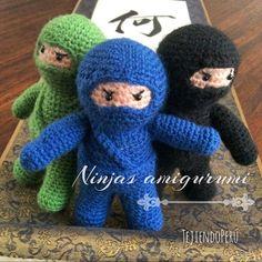Ninjas tejidos a crochet en la técnica de amigurumi!  Encuentran el paso a paso en nuestra web: tejiendoperu.com