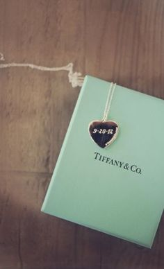 tiffani necklac, tiffanys necklace, weddings, vintage necklaces, anniversary gifts, jewelri, important dates, wedding date necklace, tiffany necklace