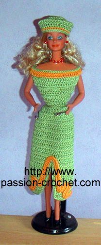 Robe au crochet pour poup�e Barbie