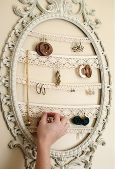 clever jewellery display