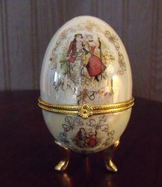 Vintage Porcelain Hinged Egg.