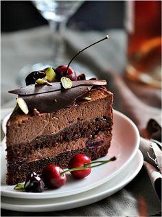 Dark chocolate cherry mousse cake #hgeats
