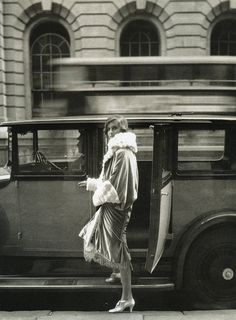 Clothes and the Car ... At the Theatre -  1927 - Vogue - Photo by Sir Cecil Beaton