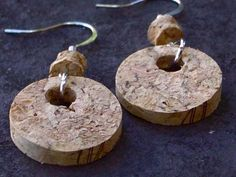 Brincos de rolha de cortiça - Wine cork earrings