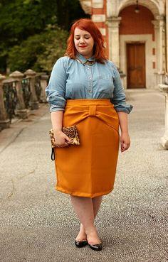 Adore this stylish skirt!