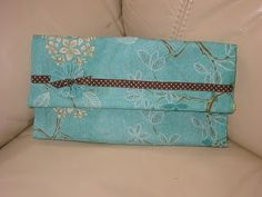 One Craft Girl's Corner: No Sew Clutch