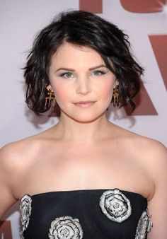 Ginnifer Goodwin Short Soft Tousled Waves Hairstyle
