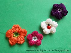 Ravelry: 5 Petals Cluster Flower pattern by Myhobbyiscrochet: written instructions, chart, phototutorial