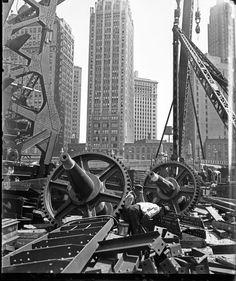 Bridge construction in #Chicago, date unknown. Photograph by Jun Fujita. ICHi-65367 #history #photography #city #urban #blackandwhite