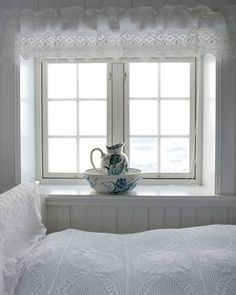 amaz window, beds, beauti curtain, white, ana rosa, cottages, cottage bedrooms, bedroom windows, blues