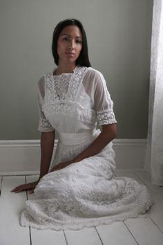 orginal 1900s white tea dress